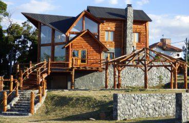 Quels aménagements en bois pour une maison rustique?